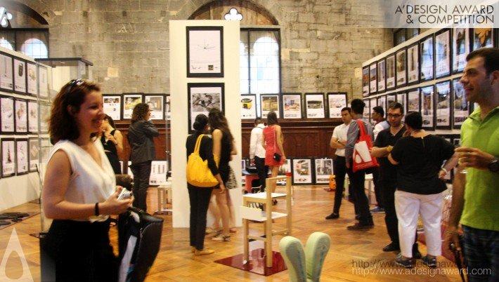 ヨーロッパ各地の展覧会に展示
