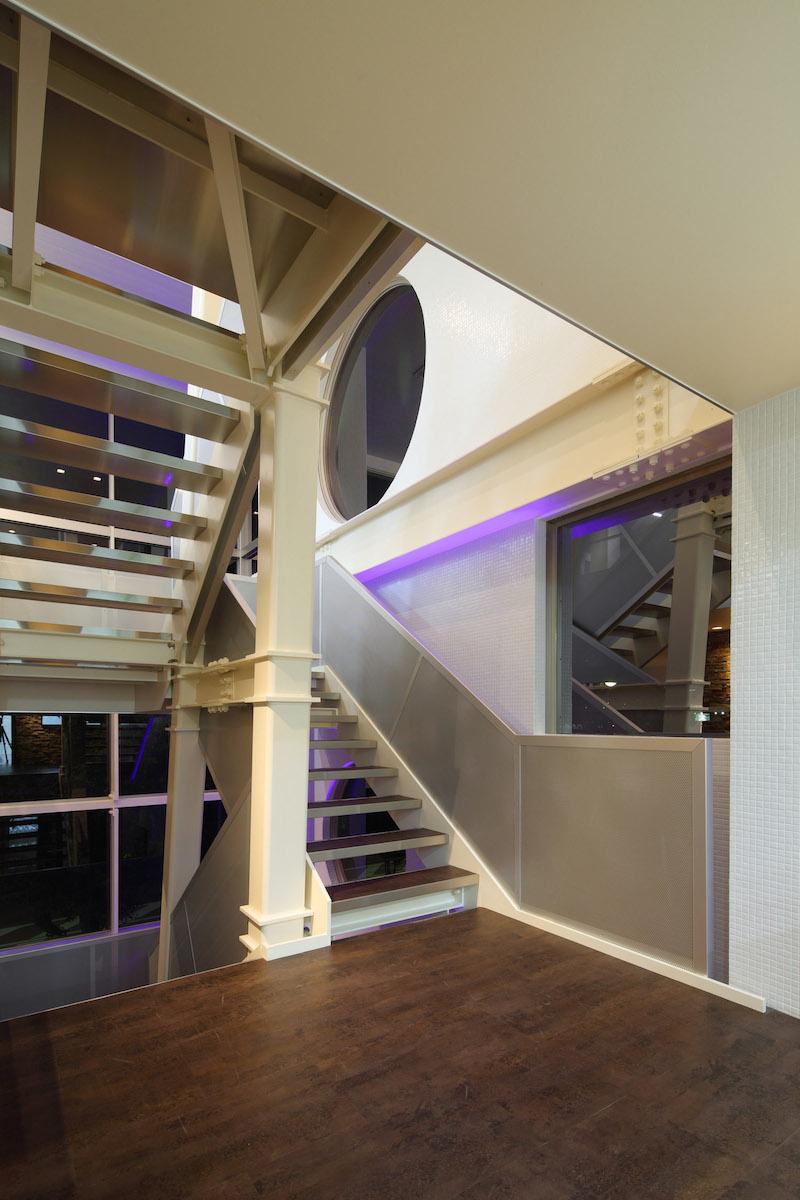 10 2階踊り場
