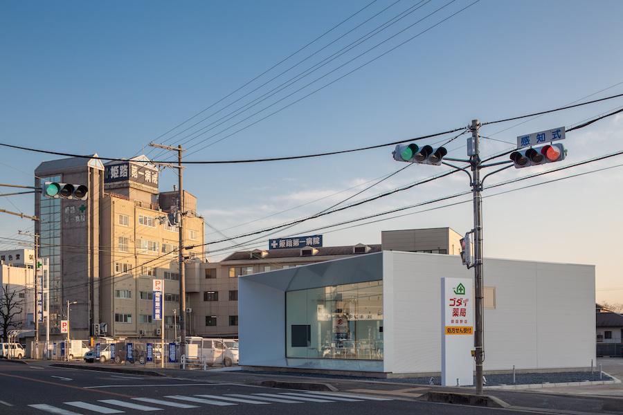 001 敷地は姫路第一病院に隣接